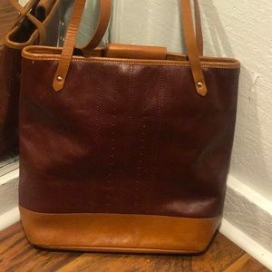 Vintage Banana Republic Leather Bucket Bag
